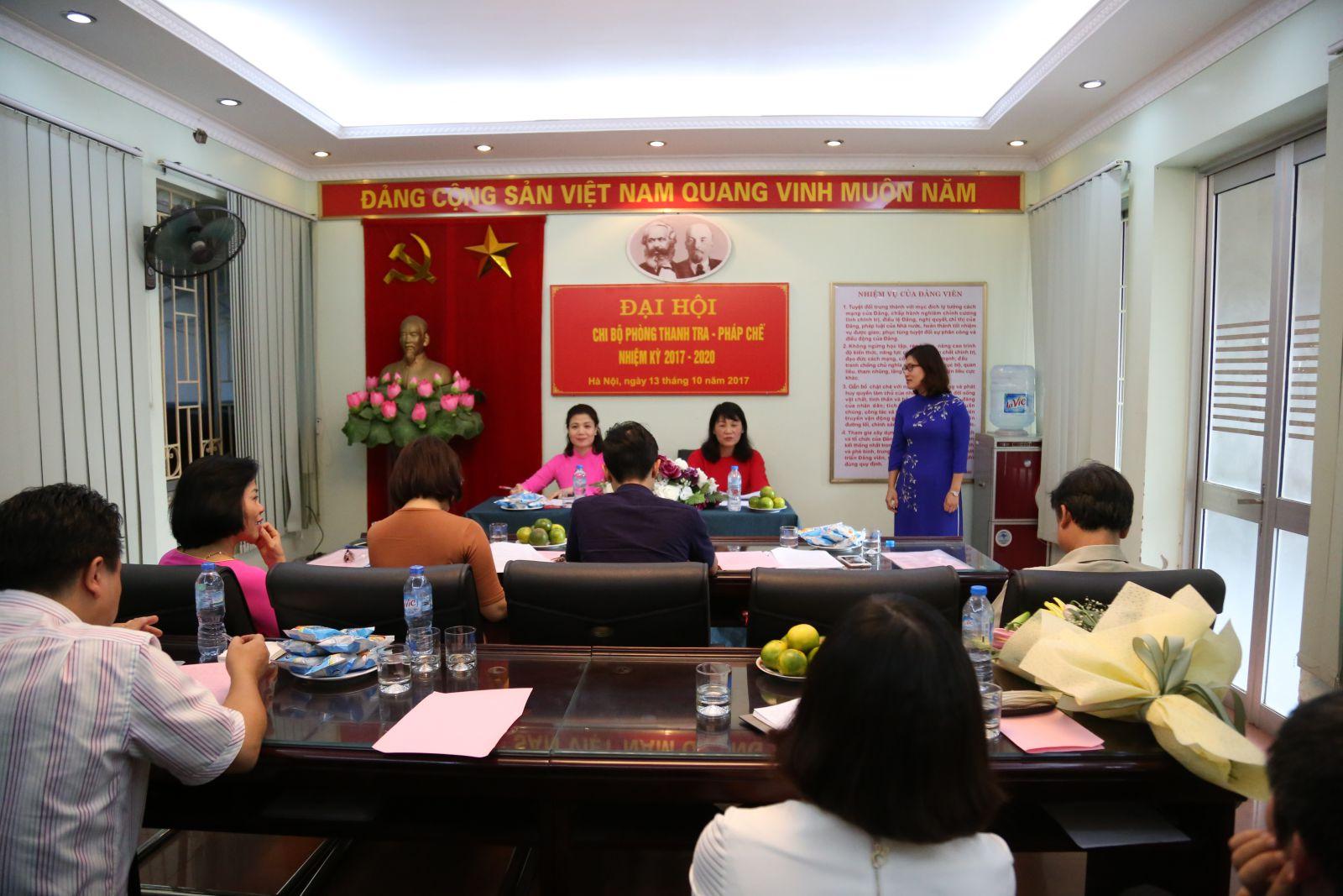 Đồng chí Nguyễn Mai Hương – Bí thư Đảng ủy Viện Đại học Mở Hà Nội phát biểu chỉ đạo